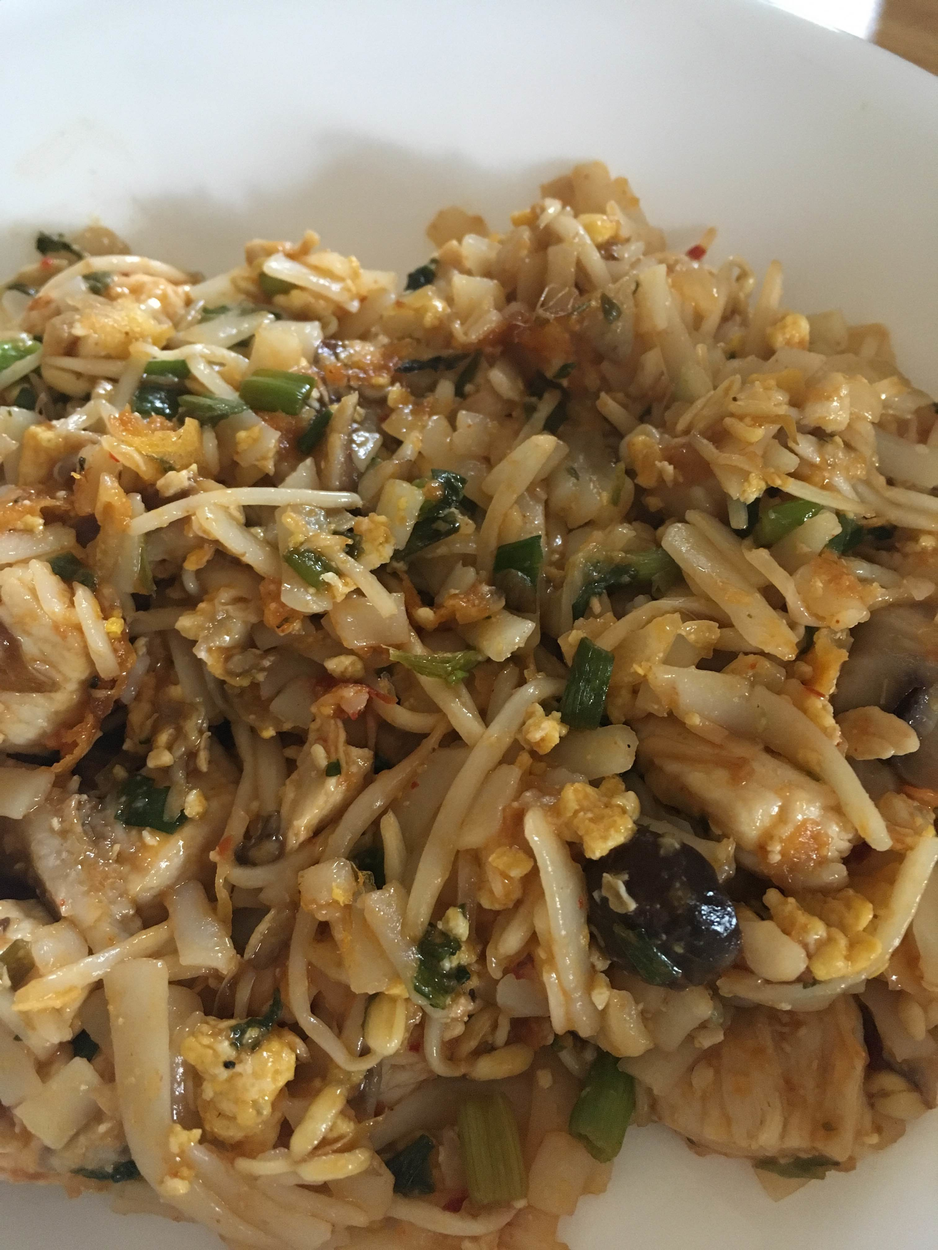Blog archive easy 20 minute gluten free chicken pad thai healthy hubby and i have been enjoying lots of scratch made recipes at home lately from casseroles to soups this easy 20 minute chicken pad thai forumfinder Image collections